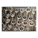 Viejo saludo del cumpleaños de la máquina de escri