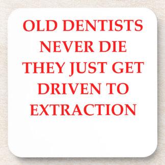 viejos dentistas posavaso