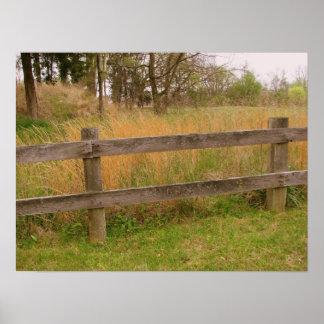 Viejos postes de la cerca poster