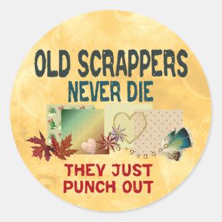 Viejos Scrappers Pegatina Redonda