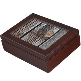 Viejos tableros de madera grises cajas de recuerdos