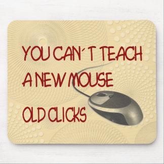 Viejos tecleos tapetes de ratón