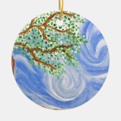 Viento en los árboles adorno navideño redondo de cerámica