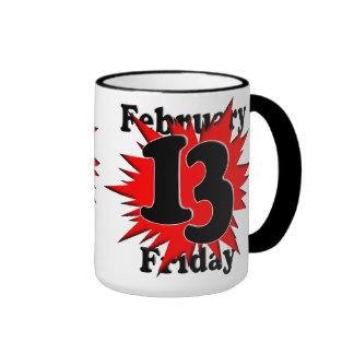Viernes el décimotercero tazas de café
