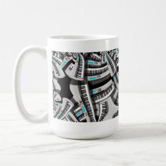 Viértalo ruidosamente taza de café