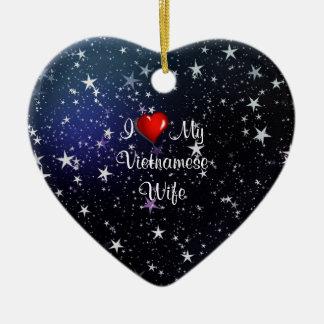 Vietnam: Amo a mi esposa vietnamita Adorno Navideño De Cerámica En Forma De Corazón