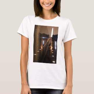 Vietnam Veterans Memorial Wall Photo T-Shirt