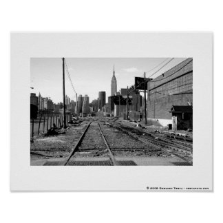 View from Long Island City, 11x14, white border Poster