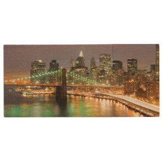 View of Lower Manhattan and the Brooklyn Bridge Wood USB 2.0 Flash Drive
