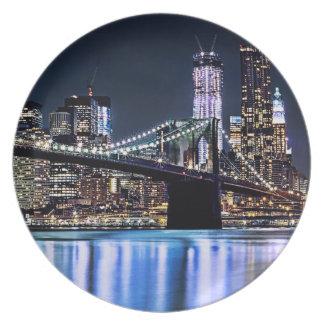 View of New York's Brooklyn bridge reflection Plate