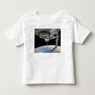View of Space Shuttle Discovery T Shirts