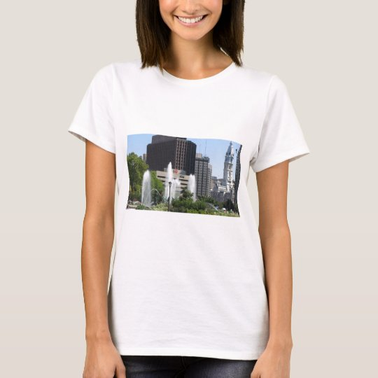 View of the City Of Philadelphia with Fountain T-Shirt