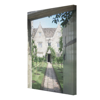 View of the front of the house (photo) canvas print