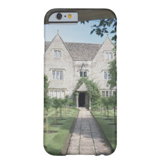 View of the front of the house (photo) iPhone 6 case