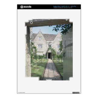 View of the front of the house (photo) iPad 3 skin