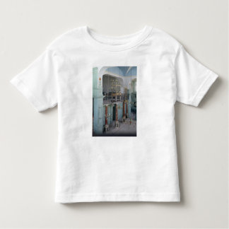 View of the interior of the Cavaillon T Shirt