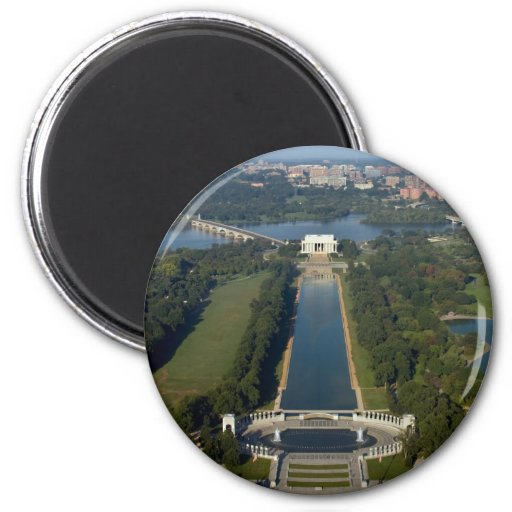View of the Lincoln Memorial 2 Inch Round Magnet