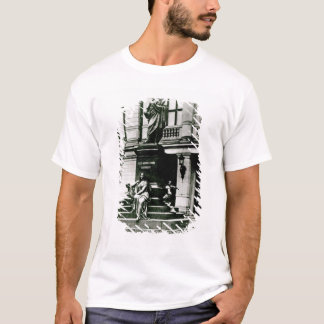 View of the Mendelssohn statue T-Shirt