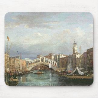 View of the Rialto Bridge in Venice Mouse Pad
