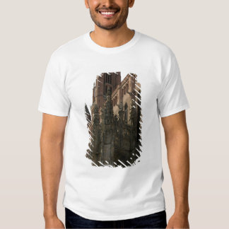 View of the right side with the canopied porch (ph T-Shirt