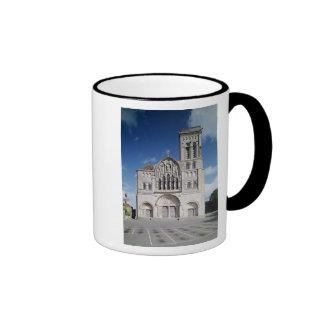 View of the west facade mug