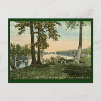 View on Grand River, Grand Rapids, MI Vintage postcard