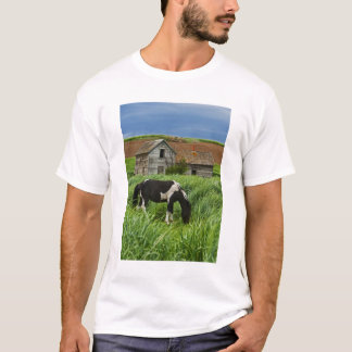 Viewing horses in a field in the Palouse 2 T-Shirt