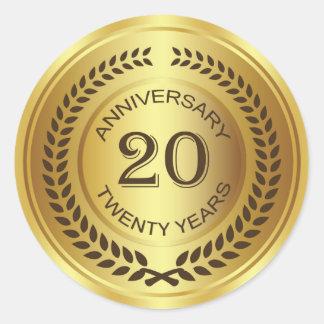 Vigésimo aniversario de oro con el pegatina de la