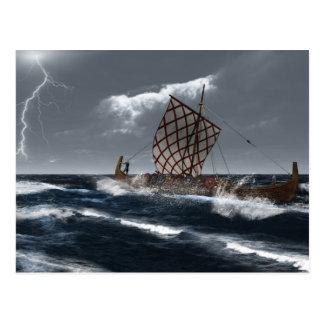 Viking Longship en una tormenta atlántica Tarjeta Postal