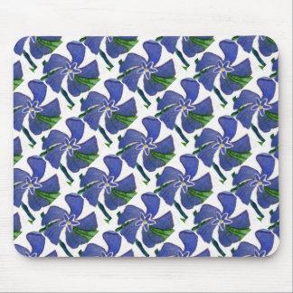 """""""Vinca Vine"""" Tiled Pattern Floral Mousepad"""