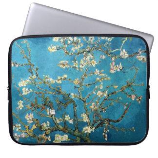 Vincent van Gogh, árbol de almendra floreciente Fundas Portátiles