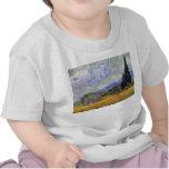 Vincent van Gogh - campo de trigo con los cipreses Camisetas