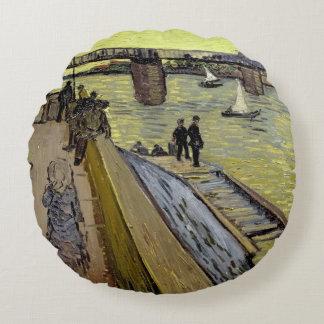 Vincent van Gogh   Le Pont de Trinquetaille Arles Round Pillow