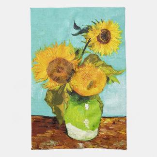 Vincent van Gogh tres girasoles en un florero Toallas