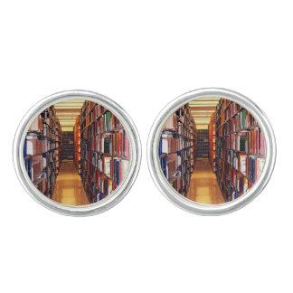 Vínculos de puño de los estantes de librería de la mancuernillas