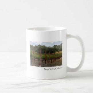 Viñedo de la uva de Napa Valley California Taza Básica Blanca