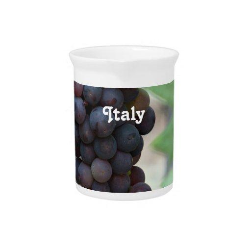 Viñedo en Italia Jarras Para Bebida