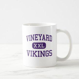 Viñedo - Vikingos - joven - Alta Loma California Taza Clásica