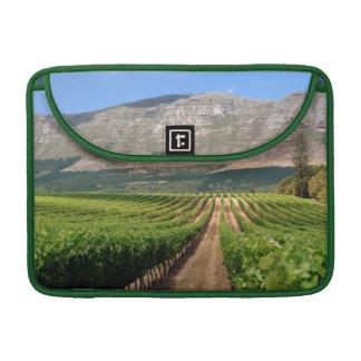 Viñedos del estado del vino de Groot Constantia Fundas Macbook Pro
