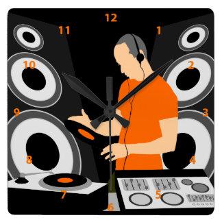 Vinilo de giro de DJ en las cubiertas Reloj Cuadrado