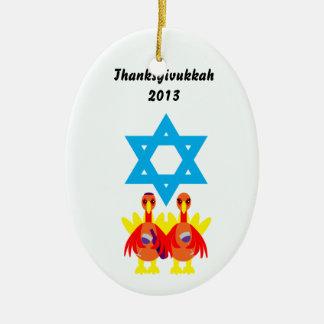 Vino de Thanksgivukkah 2013 que tuesta el Adorno Navideño Ovalado De Cerámica