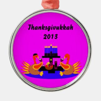 Vino de Thanksgivukkah que tuesta el ornamento de Adorno Navideño Redondo De Metal