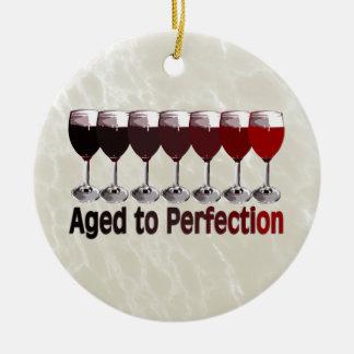 Vino rojo envejecido a la perfección ornaments para arbol de navidad