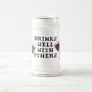 Vino rojo y bebedores divertidos Stein del licor Jarra De Cerveza