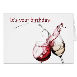 Vino y tarjeta de los deseos del cumpleaños