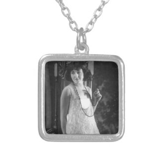 Vintage 1920s Women's Flapper Fashion Silver Plated Necklace