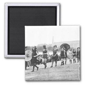 Vintage 1922 de los chicas del encanto de la demos imán cuadrado