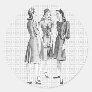 Vintage 1940s Fashion V2 BW Classic Round Sticker