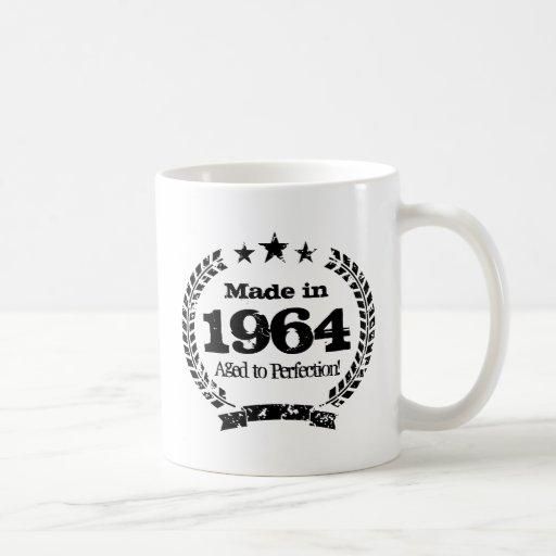 Vintage 1964 envejecido a la taza de café de la