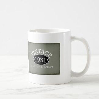 Vintage 1981 envejecido a la perfección taza
